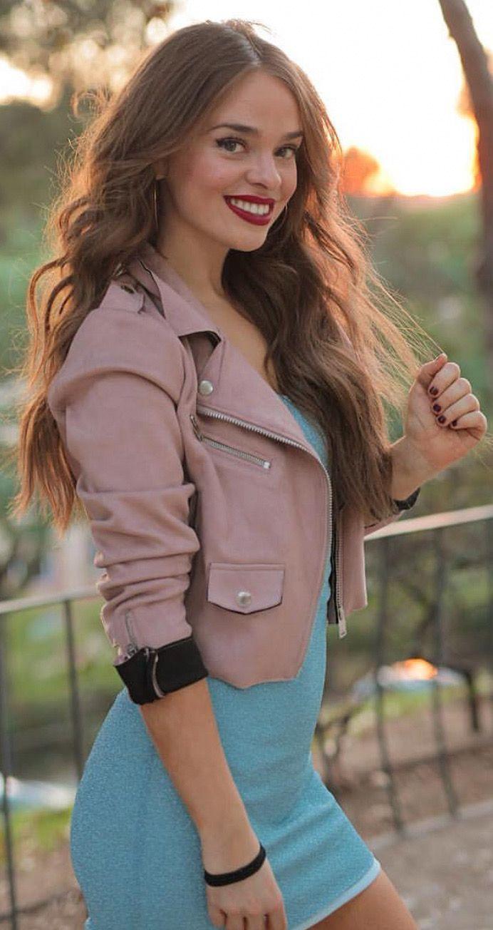 Pin De Mad En Aitana Etxeberria En 2020  Chicas, Peinados -9300