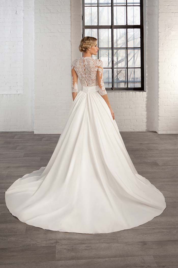 #Win a #Wedding #Dress from the Cosmobella 2016 Collection // Find out how you can win at www.modernwedding.com.au/blog Competition closes May 31st 2015.