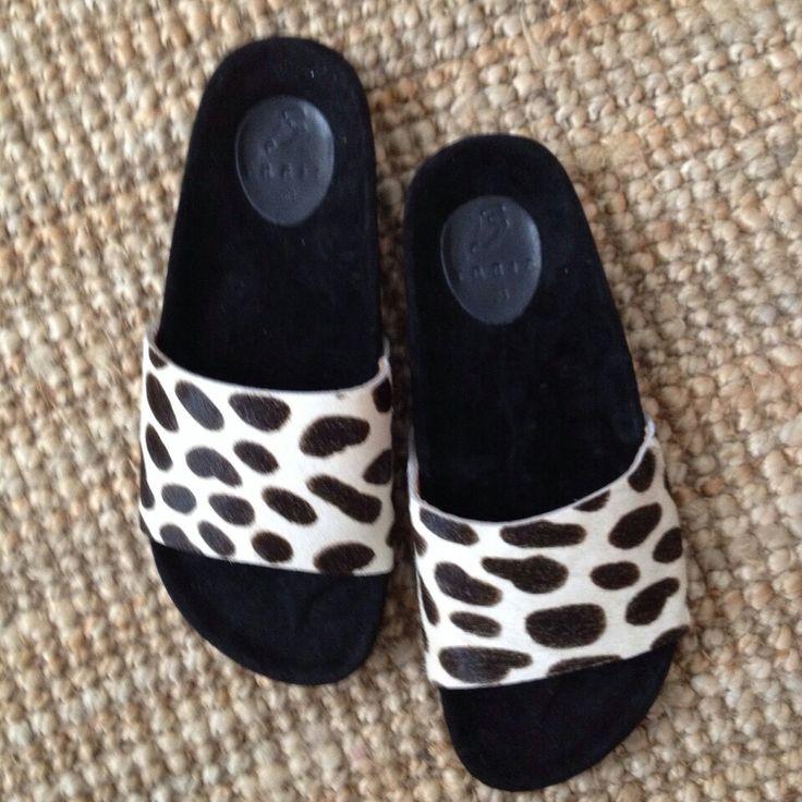 sandals www.treis.gr