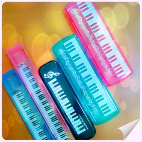 Piano pencil Case #RhapsodieAccessories https://www.facebook.com/photo.php?fbid=553461731362053=a.539031772805049.1073741825.100000946936447=1_count=1