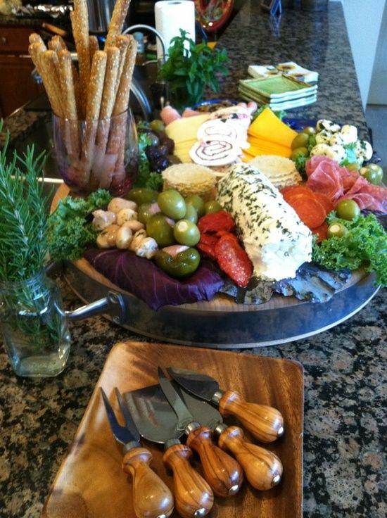 tuscan dinner party | Italian dinner party! / Beautiful Antipasta platter