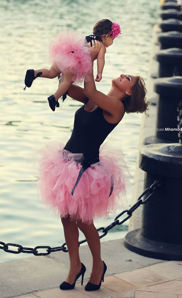 Awesome Mother Daughter Dresses black&pink sleeveless Family Matching Clothes Party Dress Formal Gowns Vestido curto