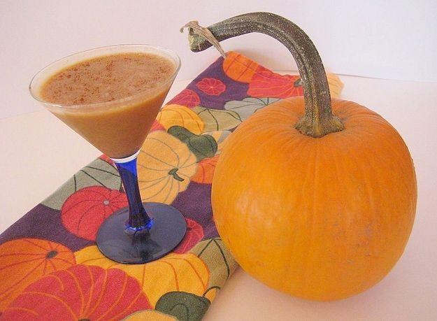 Pumpkin Pie Cocktail RecipePies Martinis, Alcohol Beverages, Adult Beverages, Vanilla Vodka, Alcoholic Beverages, Drinks, Martinis Glasses, Halloween Alcohol, Pumpkin Pies