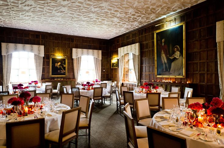 The beautiful oak-panelled Munster Room is the setting for your wedding banquet.  The ornate Elizabethan style ceiling, original granite Castle windows and delicate table settings add the final polish to an unforgettable Castle wedding.