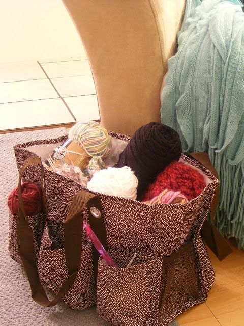 Knitting Organization with a Thirty-One Zip-Top Organizing Utility Tote