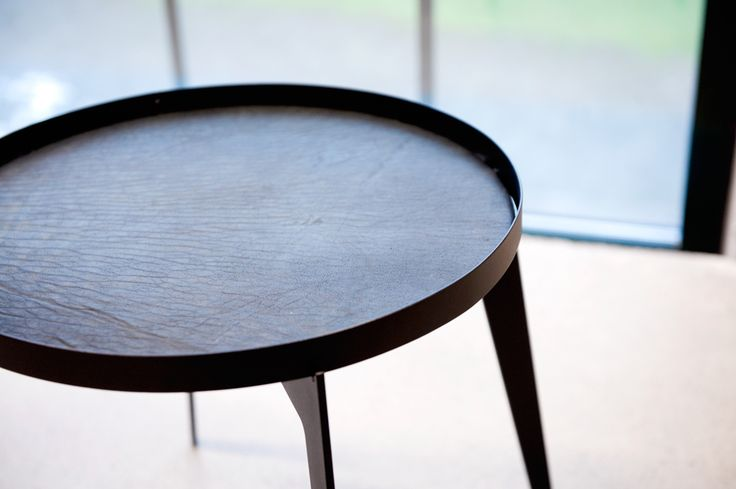 Skinny Love - the table With leather top.