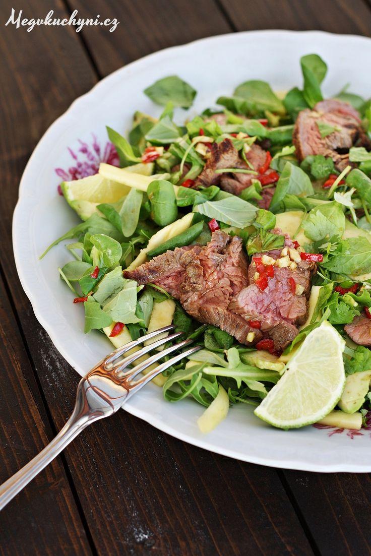 Thajský salát smangem a hovězím flank steakem | Meg v kuchyni