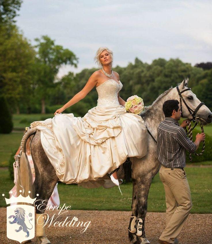 Bridal portrait of the beautiful Lindsay!