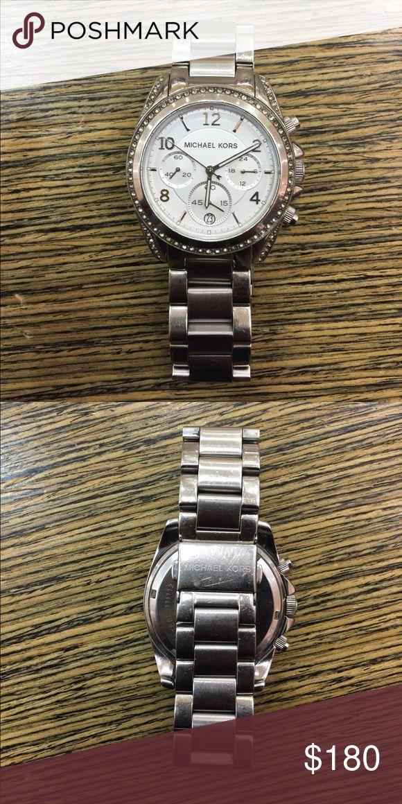 Michael Kors Silver Watch ⌚️ Women's Michael Kors Silver Watch Michael Kors Jewelry