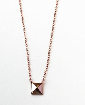 Pyramid Stud Necklace Rose
