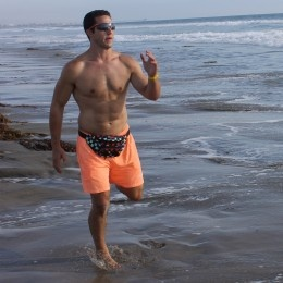 Bold: Rockin' that Fanny Pack at the beach. Now is that pack waterproof?