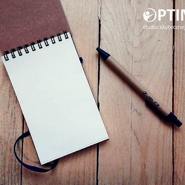 Dla nas ten piątek dopiero się zaczyna #tabularasa #keepitsimple #notes #notebooks #jelcz #wroclaw #studiooptimo #workworkwork #whitepaper #woodendesign #ecodesing #eco #minimalmood #designedwithlove #designedbyme #designedbyus #friday