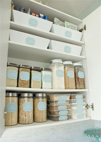 25 beste idee n over keukenkastjes organiseren op pinterest pan organisatie keukenkast - Idee opslag cd ...