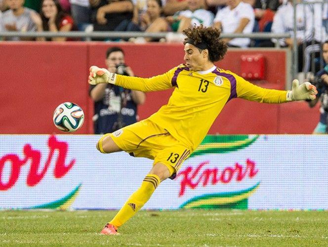 Guillermo Ochoa se perfila como el portero titular del Tri.