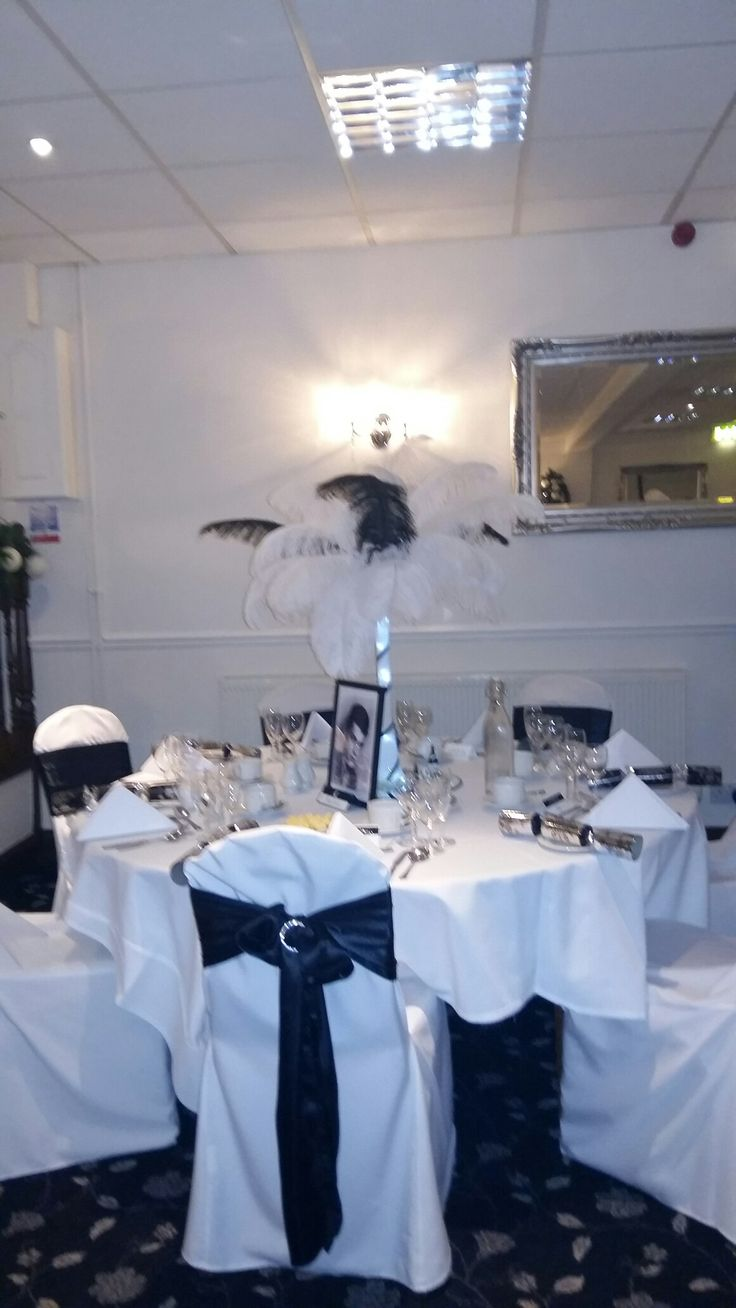 Need inspection for a wedding theme?!?! Well look at this brill pic and for a black and white theme and plz follow me and like this pic. Plus loved the wedding it was brill!!!