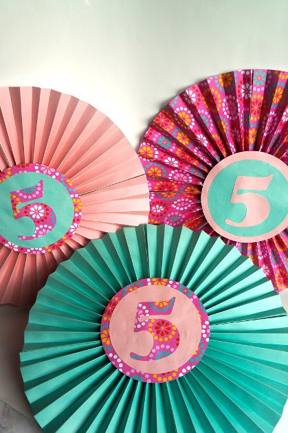 how to make paper fan decorations | Make your own decorations this summer!
