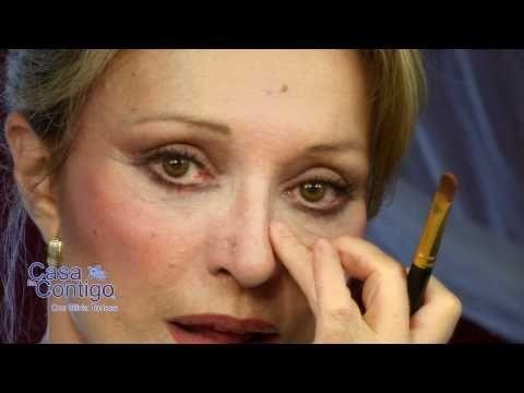10 images about pasos para maquillarse quedar una - Como pintarse las unas ...