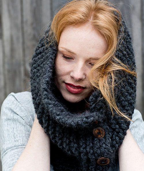 DIY Anleitung: Knopf Loop stricken // diy tutorial: knit a loop, scarf with button via DaWanda.com