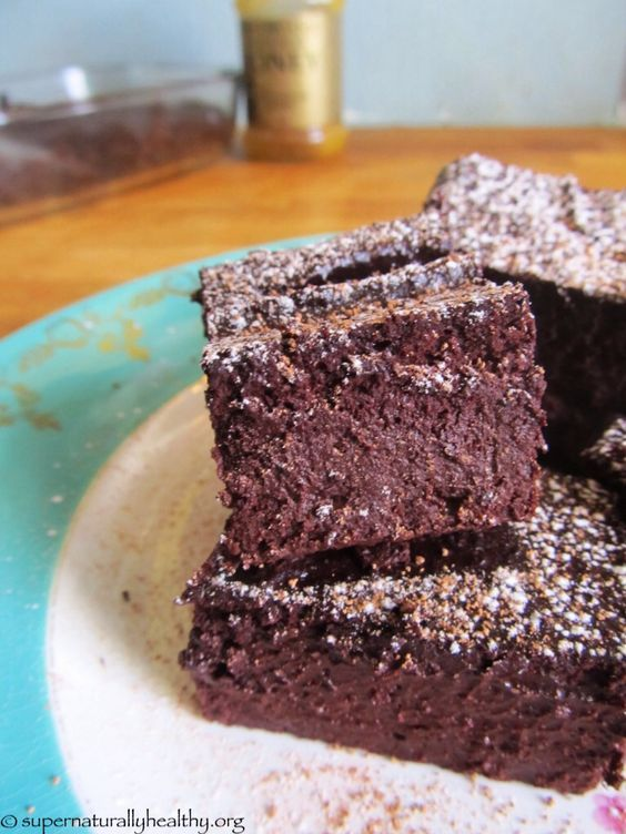 Beetroot chocolate brownies!  you won't believe how awesome these refined sugar free and flour free cakes taste!  I swapped the honey for maple syrup :-)