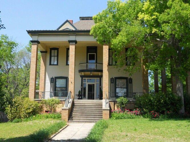 Floyd-Newsome house in Phenix City, Alabama