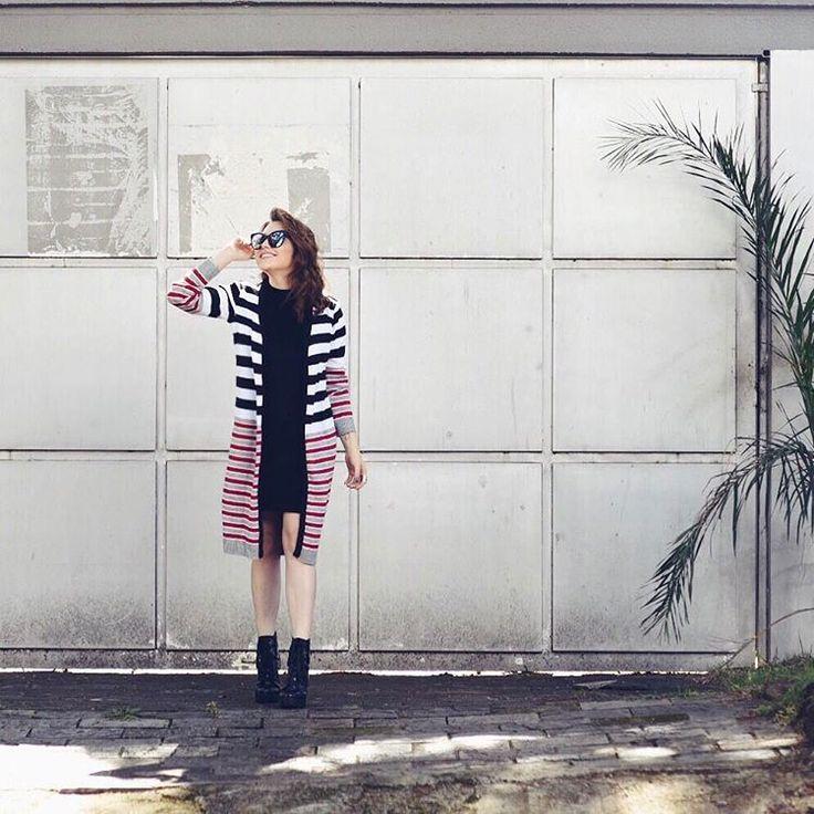 """Lu Ferreira no Instagram: """"O look como tem vestido de veludo com cardigã @quintessoficial e minha botinha nova - lembra que mostrei no stories?? #ootd #stripes"""""""