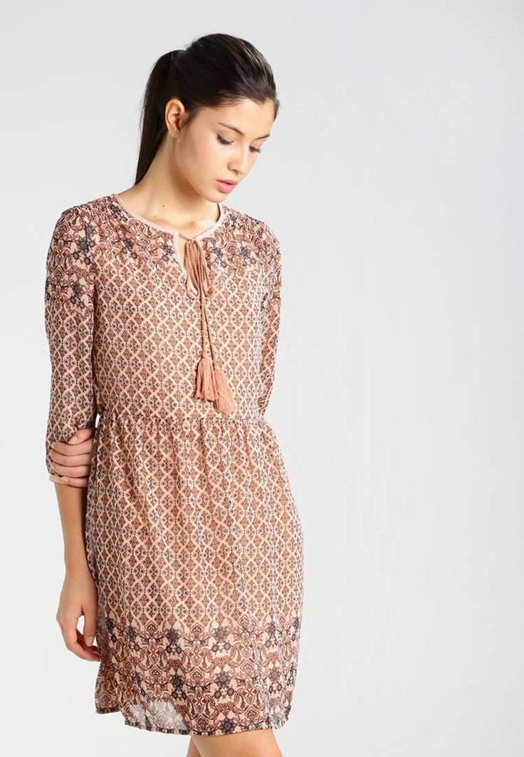 """Vero Moda. VMNABIA - Summer dress - misty rose. Our model's height:Our model is 70.5 """" tall and is wearing size 10. Fit:tailored. Outer fabric material:100% polyester. Pattern:Print. Care instructions:do not tumble dry,machine wash at 30°C,A shr..."""