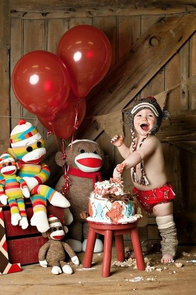 Monkey around - Birthday Cake Smash Ideas Worth Stealing for Your Little One - Photos