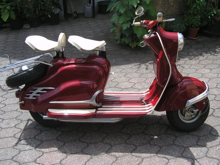 '57 NSU Prima scooter - german built brand on a Lambretta license. Got a green one of these in my livingroom that haven't moved in 20 years.