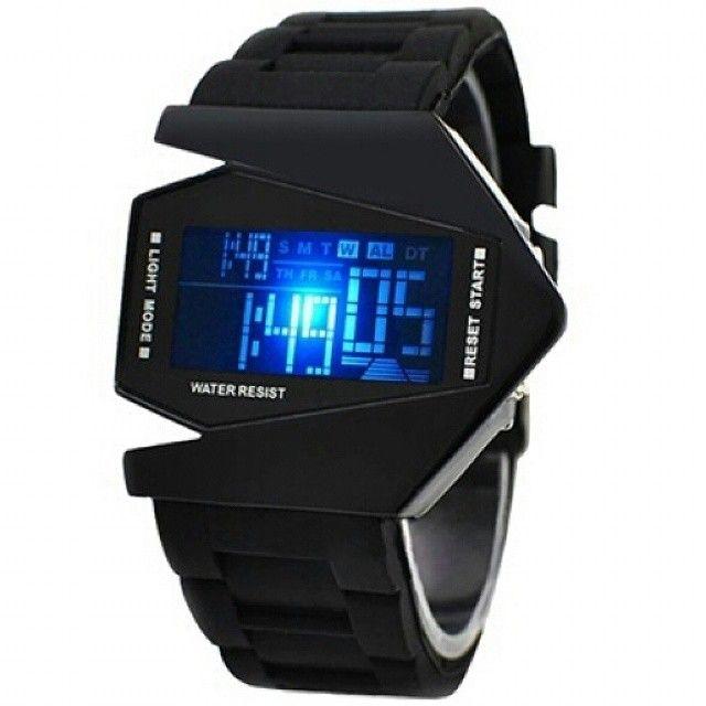 Aviator - Aircraft - Airplane - Jetplane LED Watch (Jam Tangan LED Pesawat Tempur)  Harga Rp 90.000  Tahan air: 1 ATM. - Panjang case: 5,0 cm. - Lebar case: 4,3 cm. - Tebal case: 1,0 cm. - Bahan case: Alloy. - Panjang tali: 20,0 cm. - Lebar tali: 2,4 cm. - Bahan tali: Rubber. - Tipe clasp: Buckle. - Display: LED. - Tipe baterai: CR2016. - Tidak ada buku manual.