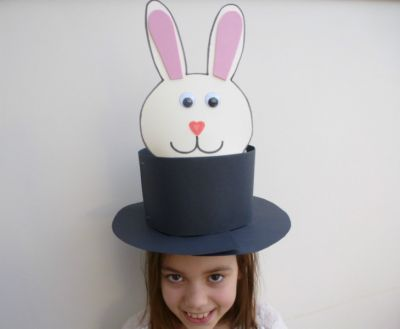 Easy Easter bonnets to make in minutes - Rabbit in the hat #easter #easterbonnets #eastercrafts