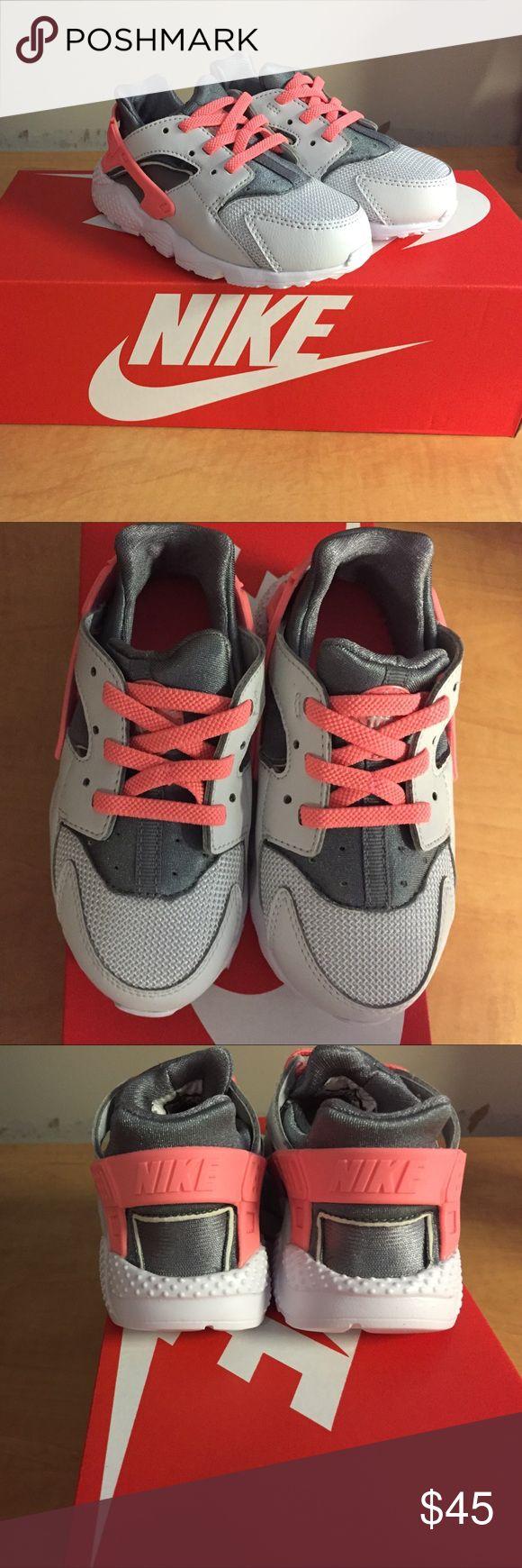 NWT Nike huarache run shoes Brand new Nike huarache run shoes Nike Shoes Sneakers