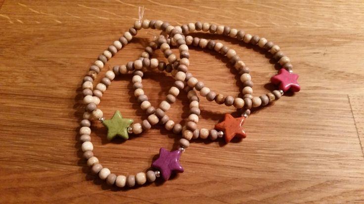 Easy bracelets. Wood. Stars.
