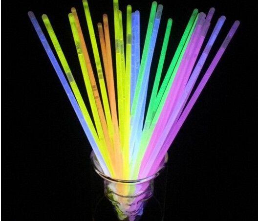 2015 Новый 100 шт./лот рождественский праздник церемония флуоресцентные браслеты, ночью светящиеся палочки, СВЕТОДИОДНЫЕ игрушки для Олимпийских качества во-первых