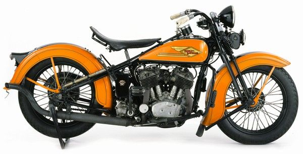 Google Image Result for http://www.motorcyclemuseum.org/asp/membersonly/museum/images/b20/1934HDVDR_600.jpg