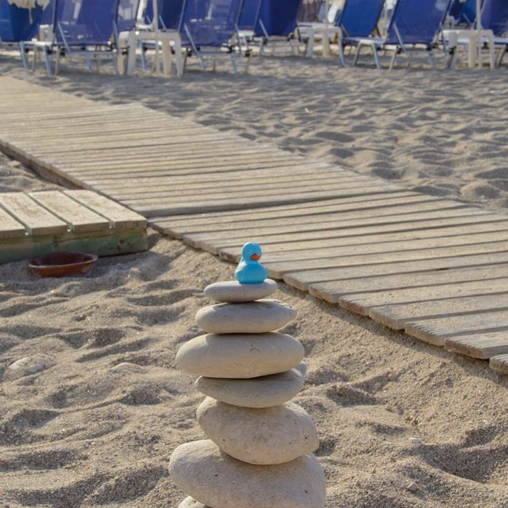 Relaxing on the rocks! #kathismabeach #lefkada #abouttoday #sumer2017 #blueduck #greece #onvacation