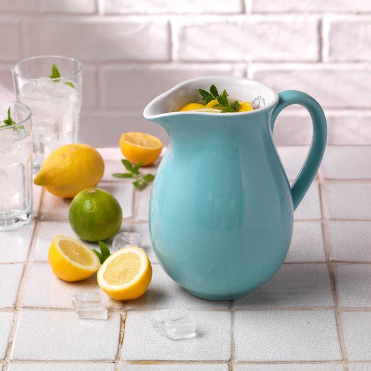 The perfect thirst quencher. Lemon, Lime and a touch of mint served over ice in our Mary Berry jug.