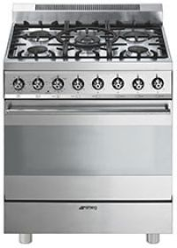smeg classic design gas range with 5 sealed burners continuous grates cu oven capacity convection cooking and enameled oven interior