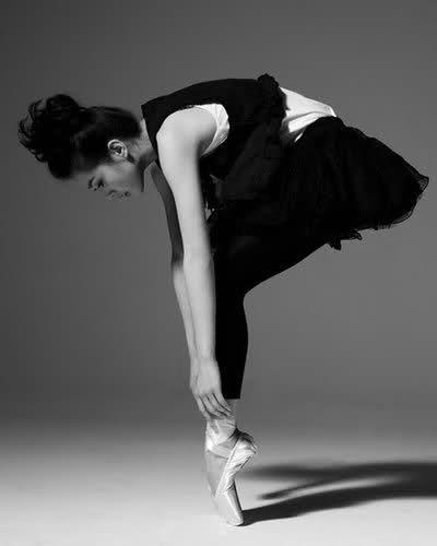 Liu Shishi --Gorgeous.  Wish I could do that