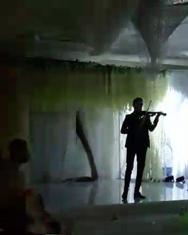 """#violin#violinist#string#instrument#classic#classical#music#musically#musicvideo#wedding#weddingphotography#entrance#groomentrance#history#entrancesongs#groom#bride#dream#fun#happy#cute#joy#stunning#elegance"" by @rfshaalan. #eventplanner #weddingdesign #невеста #brides #свадьба #junebugweddings #greenweddingshoes #destinationweddingphotographer #dugunfotografcisi #stylemepretty #weddinginspo #weddingdecor #weddingstyle #destinationwedding #weddingflowers #weddingdetails #luxurywedding…"