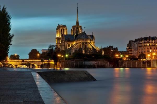 Notre Dame on the Seine after rain.  Meteo paris (75000 - FR) - 1er site meteo pour Paris et l'île-de-France - previsions meteo à 12 jours gratuites - Paris weather forecast
