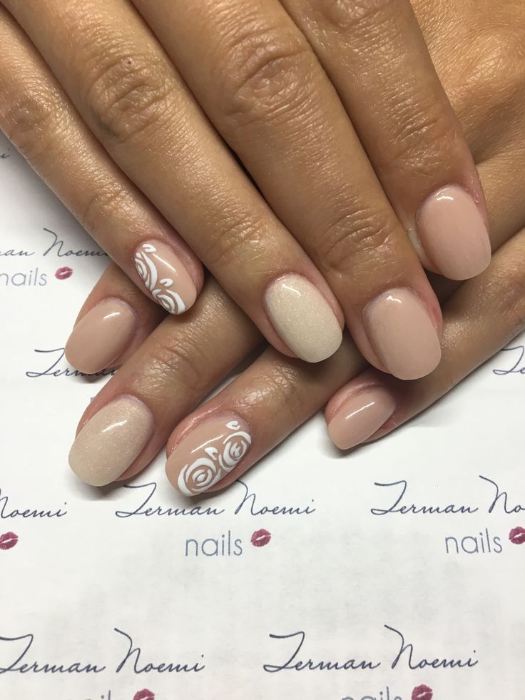 Nude nails, beige nails, roses, love nails! 💛