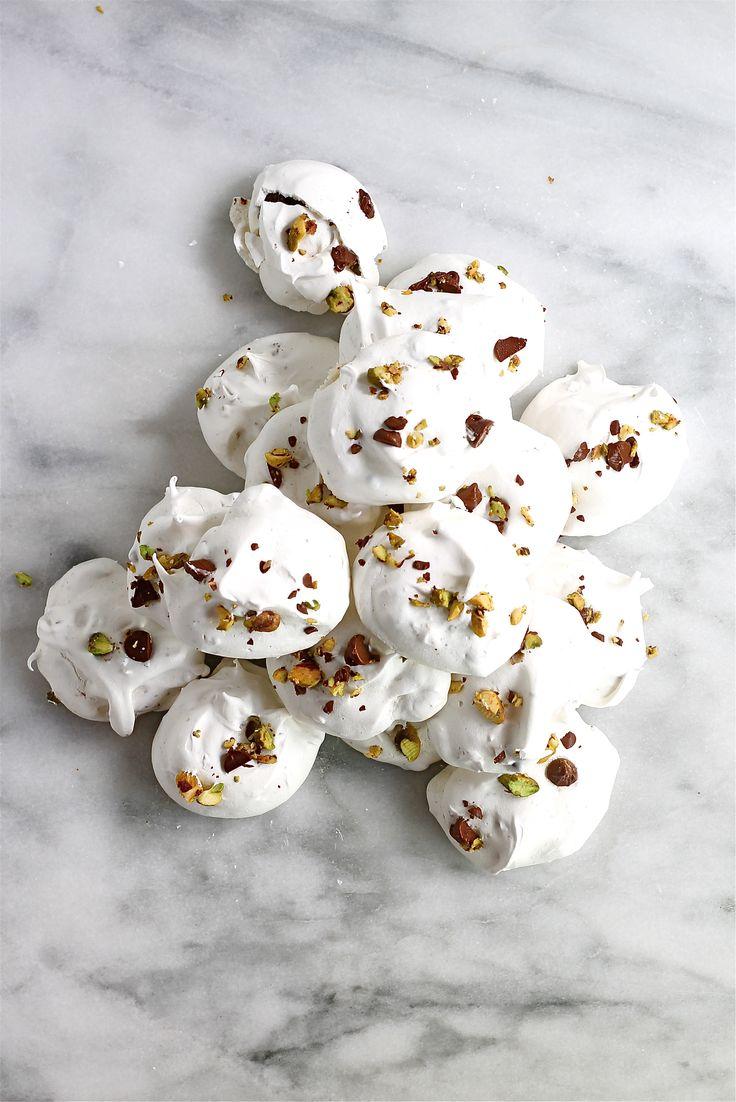 chocolate pistachio meringues