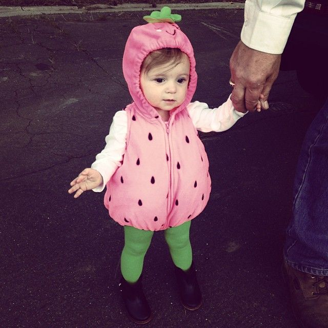 OMG COPELAND QUINN IS THE CUTEST STRAWBERRY EVER I JUST ...