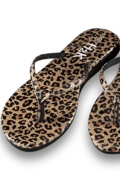 The only flat shoes I like to wear is slippers and flip flops and the occasional boots...