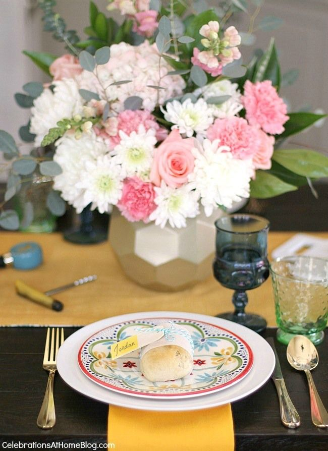 Spring table settings - 2 different looks