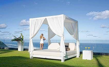 Luxusní venkovní postel s nebesy ANNIBAL