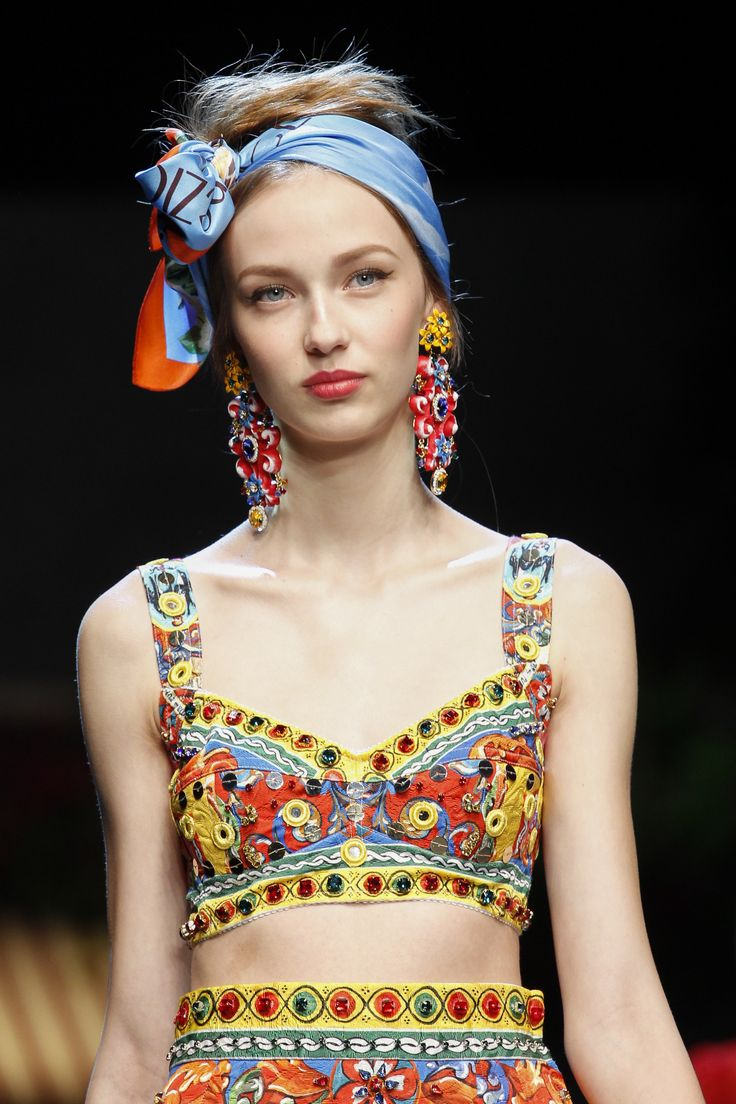 A detailed look at the new Dolce & Gabbana Spring 2016 collection