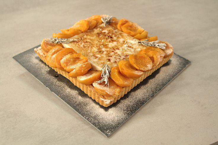 Amandelspijstaart met blanc manger en abrikozen - De Brabander Bakt   24Kitchen