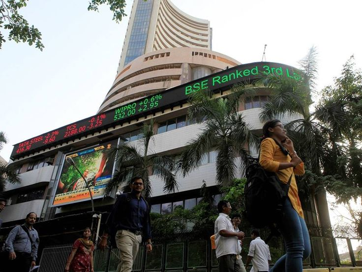 #Sensex surges past 26,000; IT stocks up: http://www.thehansindia.com/posts/index/2014-07-07/Sensex-surges-past-26000-IT-stocks-up-100981