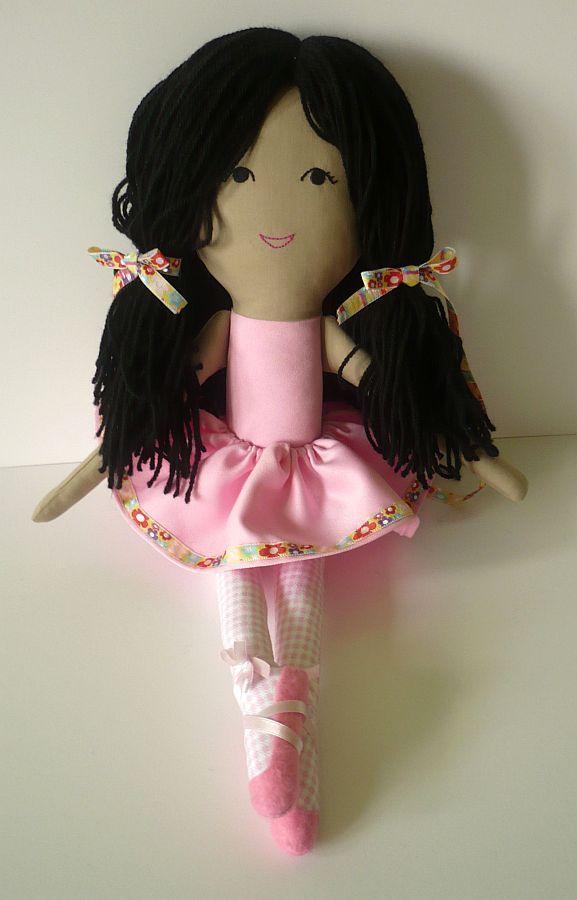 Papusa balerina, papusa roz cu tutu si poante | Papusi personalizate Pravalia cu Papusi